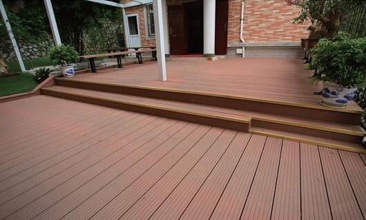 塑木地板安装容易吗 塑木地板施工注意事项