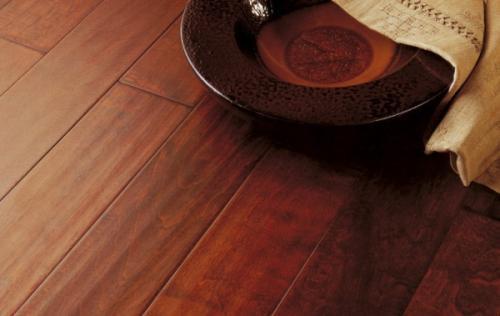 木地板打蜡价格贵吗 自已怎么给木地板打蜡